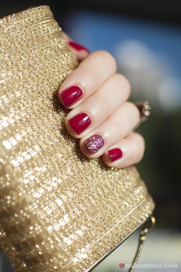 3D Glitter Feature nail - Nail Romance