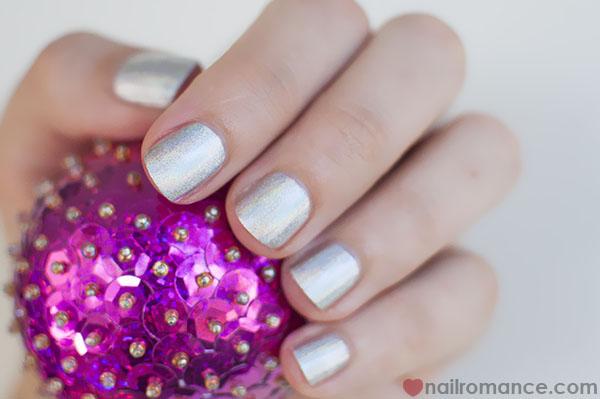 Make Up Store Greta hologram polish - Nail Romance