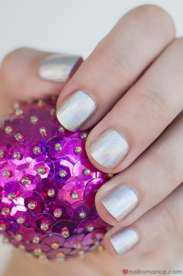 Make Up Store Greta hologram polish_Nail Romance
