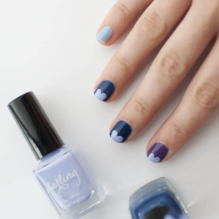 Blue Valentine – Easy heart nail art