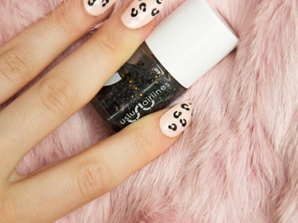 Easy leopard nail polish